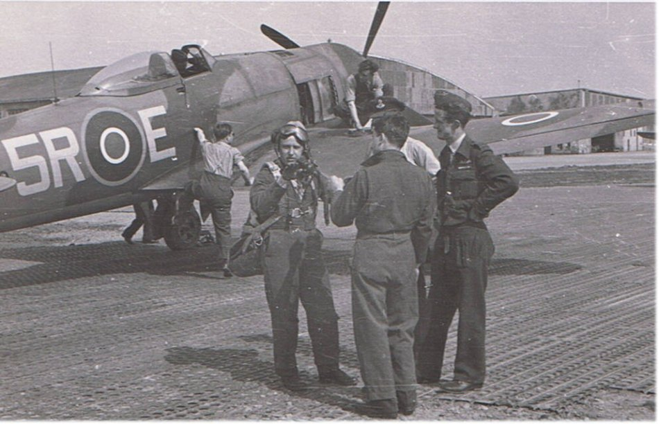 33 Squadron Hawker Tempest pilot and ground crew, RAF Fassberg, Germany, 1945